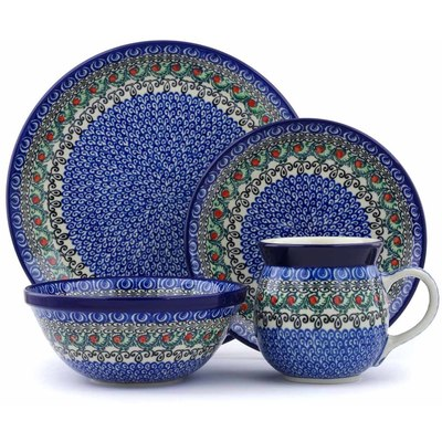 Polish Pottery 4-Piece Place Setting Holly Garland