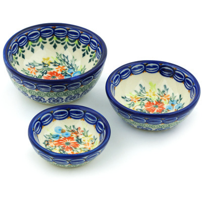 Polish Pottery Set of 3 Nesting Bowls Small Ring Of Flowers UNIKAT